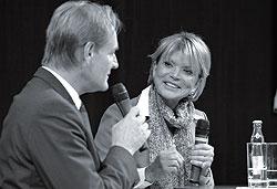"""Leipzigs Oberbürgermeister Burkhard Jung und Schauspielerin Uschi Glas auf der Messe """"Die 66"""" in Leipzig"""